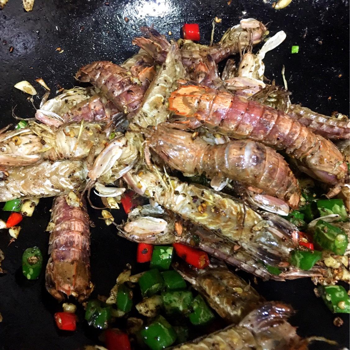 哥哥说 想吃虾  我就做了皮皮虾和蓝