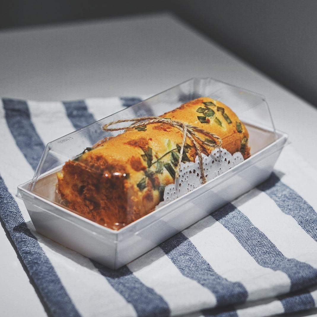 肉松卷 食材:肉松适量,沙拉酱适量,