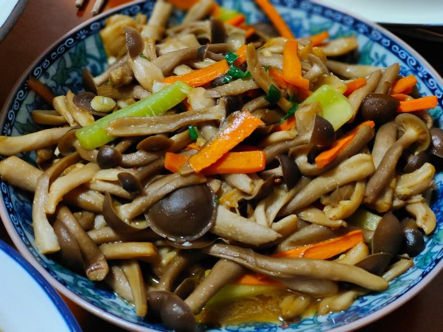 清炒鹿茸菇