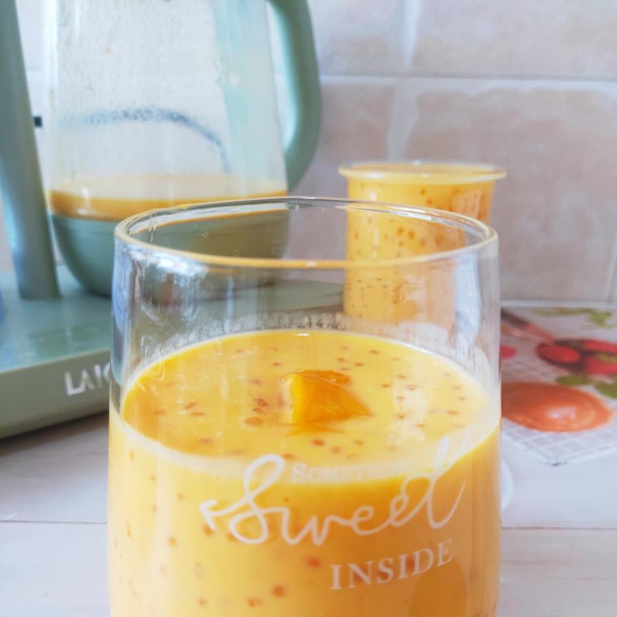 芒果牛奶西米露放凉后可以加入芒果粒,口感超级赞的哦。