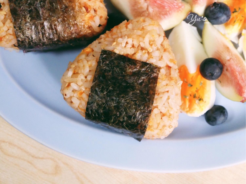 梅子海苔饭团➕拿铁  半个月不拉花,回到