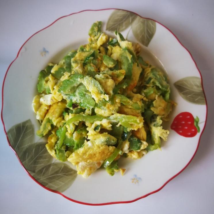 苦瓜炒鸡蛋_苦瓜炒鸡蛋的做法_苦瓜炒鸡蛋的家常做法_苦瓜炒鸡蛋怎么做_爱吃菜