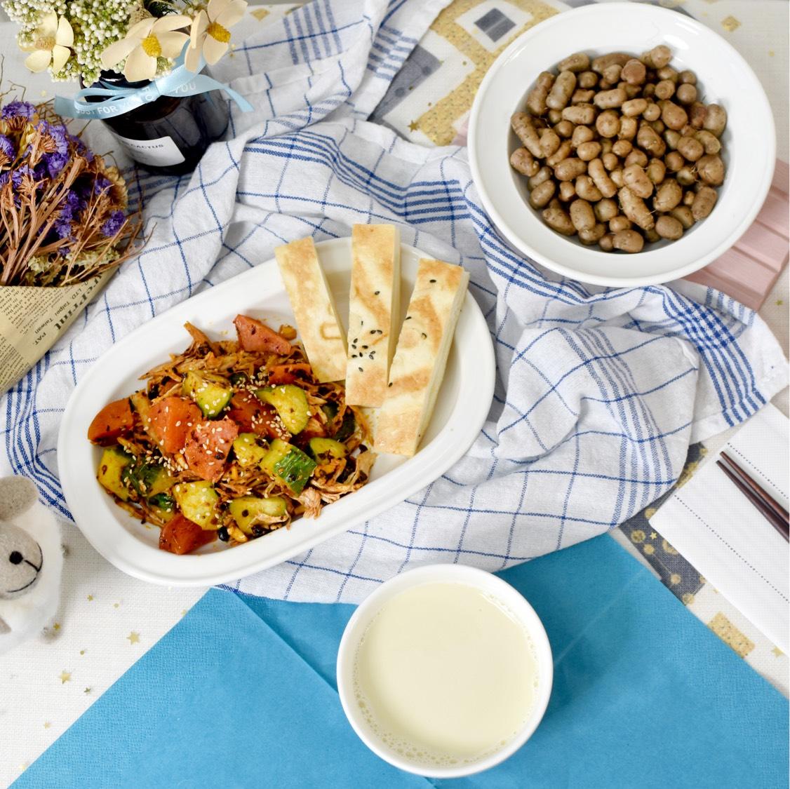 一人食中式早餐 今天的菜单: 1⃣️凉拌