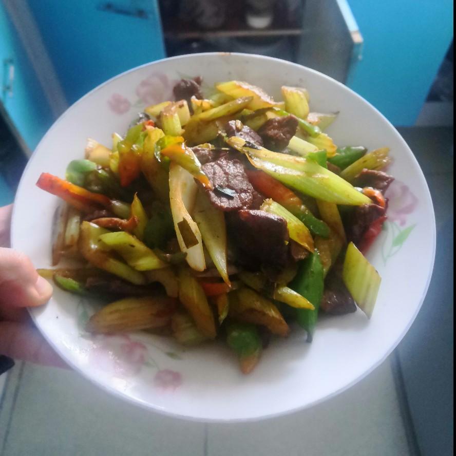 芹菜炒牛肉(图6)