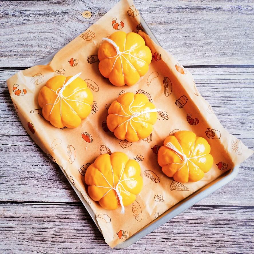南瓜面包_南瓜面包的做法_南瓜面包的家常做法_南瓜面包怎么做_爱吃菜